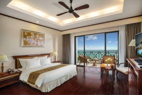 Đặt Phòng Booking Vinpearl Resort Nha Trang  Phòng Deluxe Hướng Biển