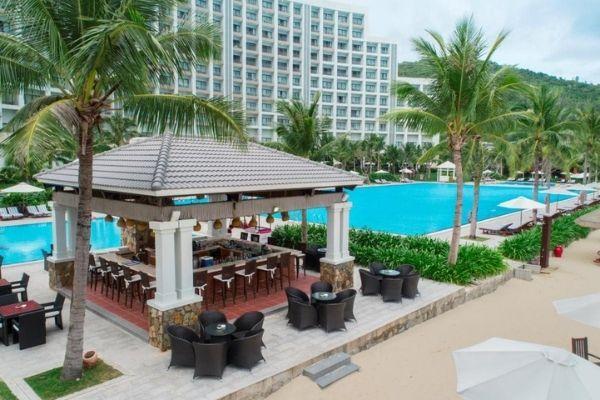 Hồ Bơi Lớn Tại Vinpearl Resort Nha Trang Bay Booking Đặt Phòng Giá Rẻ