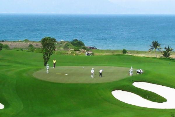 Đặt Sân Golf Tại Vinpearl Nha Trang Resort