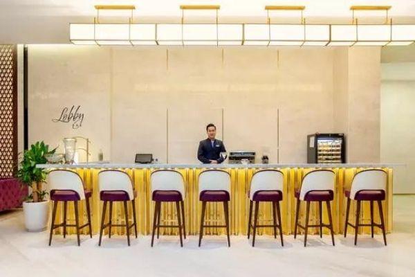 Lobby Bar Vinpearl Hotel Hue 2