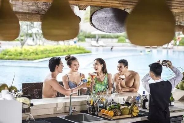 Pool Bar Vinpearl Oasis Phú Quốc Hotel