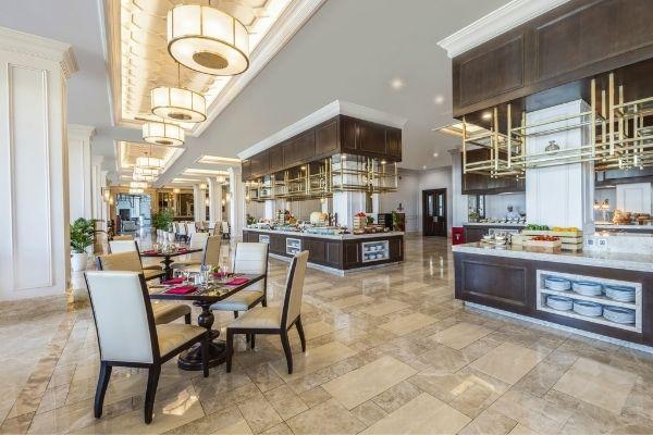 Vinpearl Resort Spa đà Nẵng Triton Bar